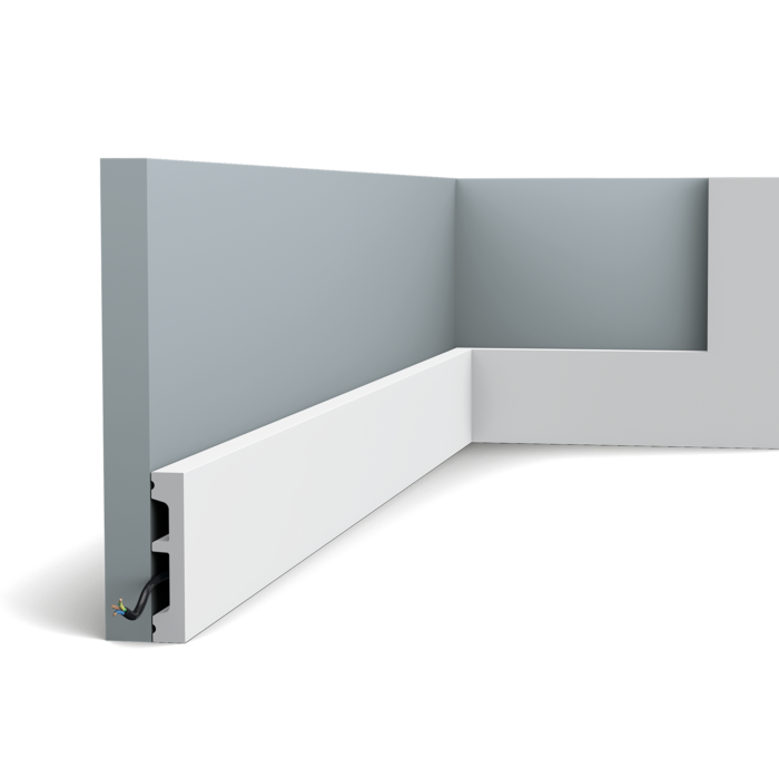 Flexible version of the SX157. Our simplest skirting board is part of the SQUARE family. Thanks to its Flex technology, curved walls and surfaces are no problem. Installation remark: It is necessary to screw this profile on the wall. Flex Radius: R min = 35 cm, R* min = 260 cm