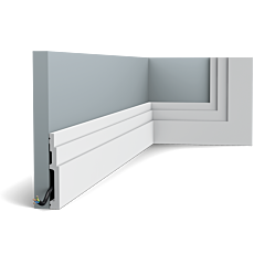Flexible version of the SX180. The pure shape and perfect proportions of the High Line skirting boards create an ideal transition between floor and wall. Thanks to its Flex technology, curved walls and surfaces are no problem. Installation remark: It is necessary to screw this profile on the wall. Flex Radius: R min = 45 cm